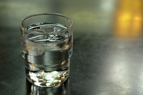 How to pay off your student loans in 5 years: order water instead of a drink.