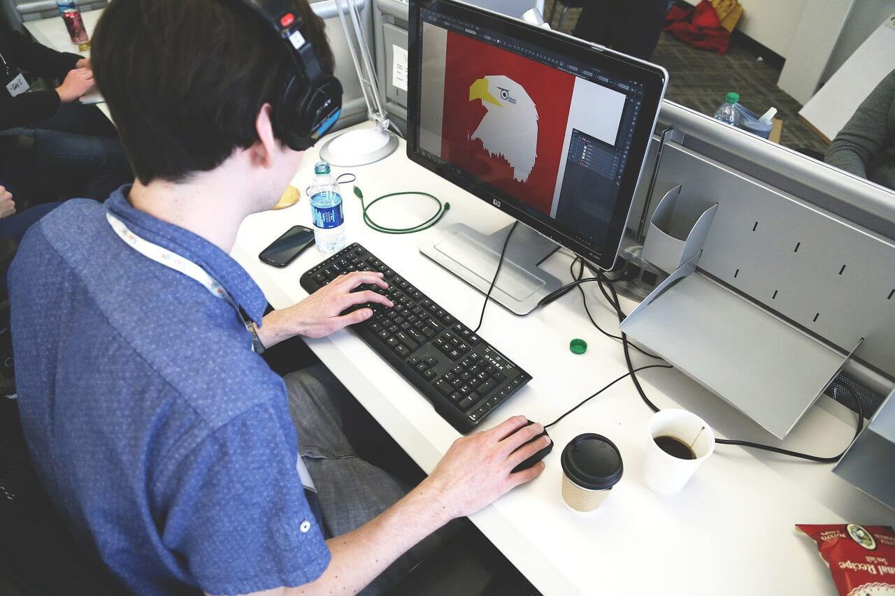 Should you get an online graphic design degree?