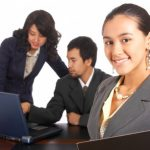 Students in an internship, a great way to prepare students for future careers.