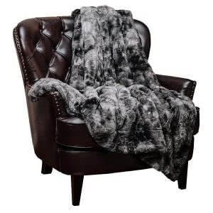 Chanasya faux fur throw blanket -- bedding and towels