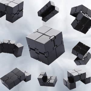 SMALL FISH infinity cube desk accessories