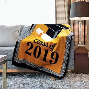 Kovot graduation blanket