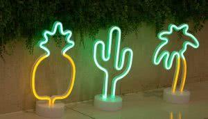 Pooqla neon lights